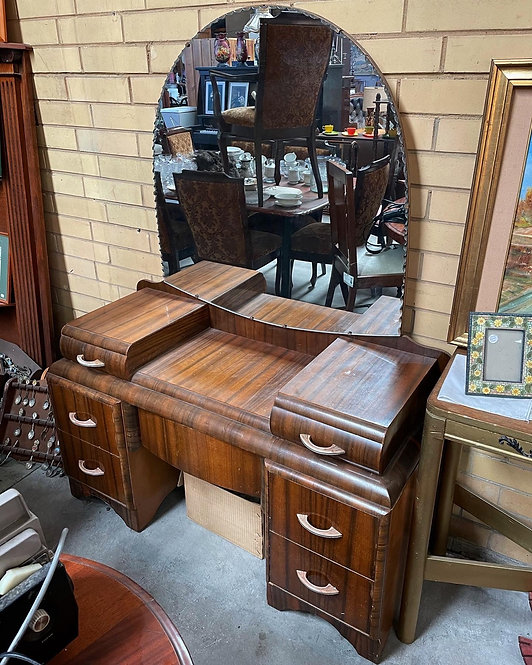 Stunning Art Deco Dressing Table manufactured by T. P. Aylward Pty Ltd