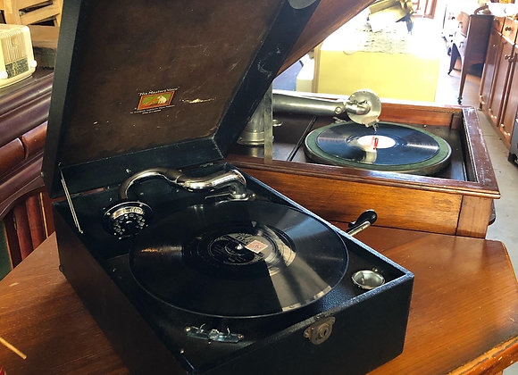 Portable HMV Model 99 Gramophone from 1948 (made in England)