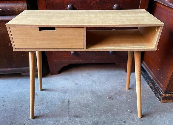 Light Retro Mid-Century 1 Drawer Desk in Very Good Condition
