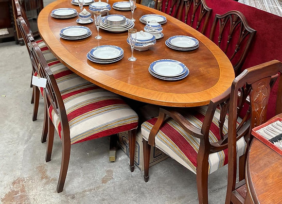 A Set of Elegant Oval Dining Table & 8 Hepplewhite Shield-Back Dining Chairs