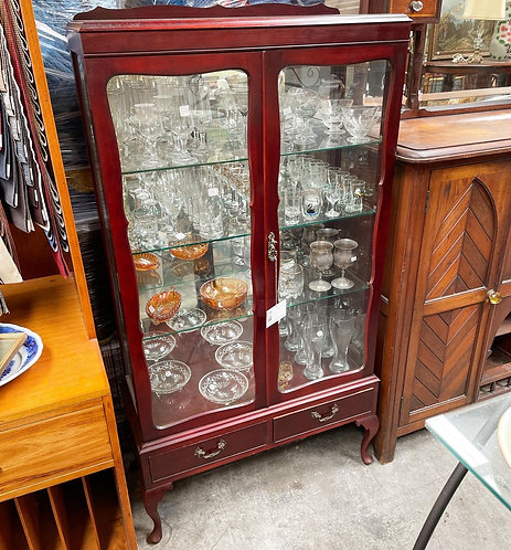 Elegant Queen Anne Display Cabinet with Cabriole Legs