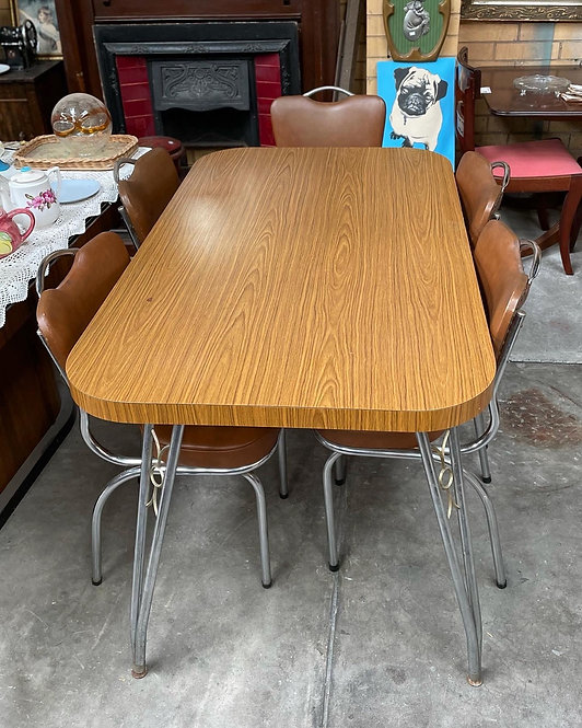 Beautiful Retro Kitchen Table with Chrome Base and Laminate Top in Good Conditio