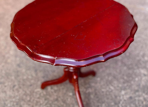 Round Elegant Vintage Tripod Occasional Table made out of Myrtle