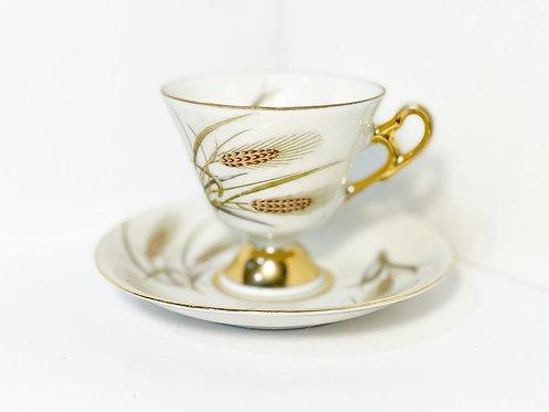 Eye-Catching Vintage Set of 4 Japanese Porcelain Cups & Saucers
