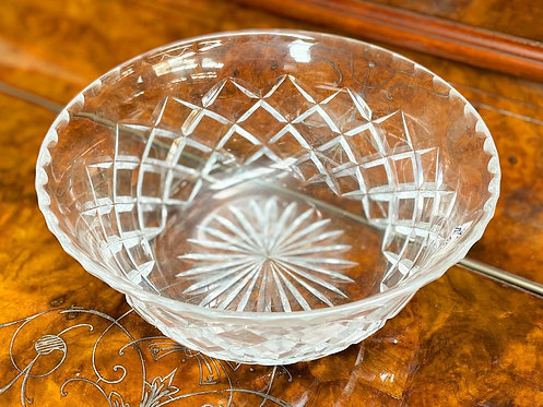 Stunning Large Heavy Collectible Crystal Bowl with a Diamond Cut Pattern