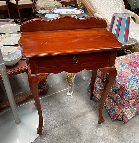 1 Drawer Side Table in a Really Good Condition