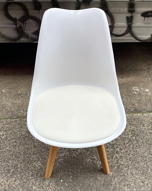 Modern Set of 4 White Retro Mid-Century Chairs with White Vinyl Seat