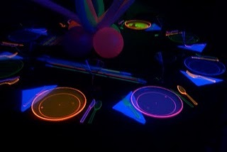 Neon+Table+Setting