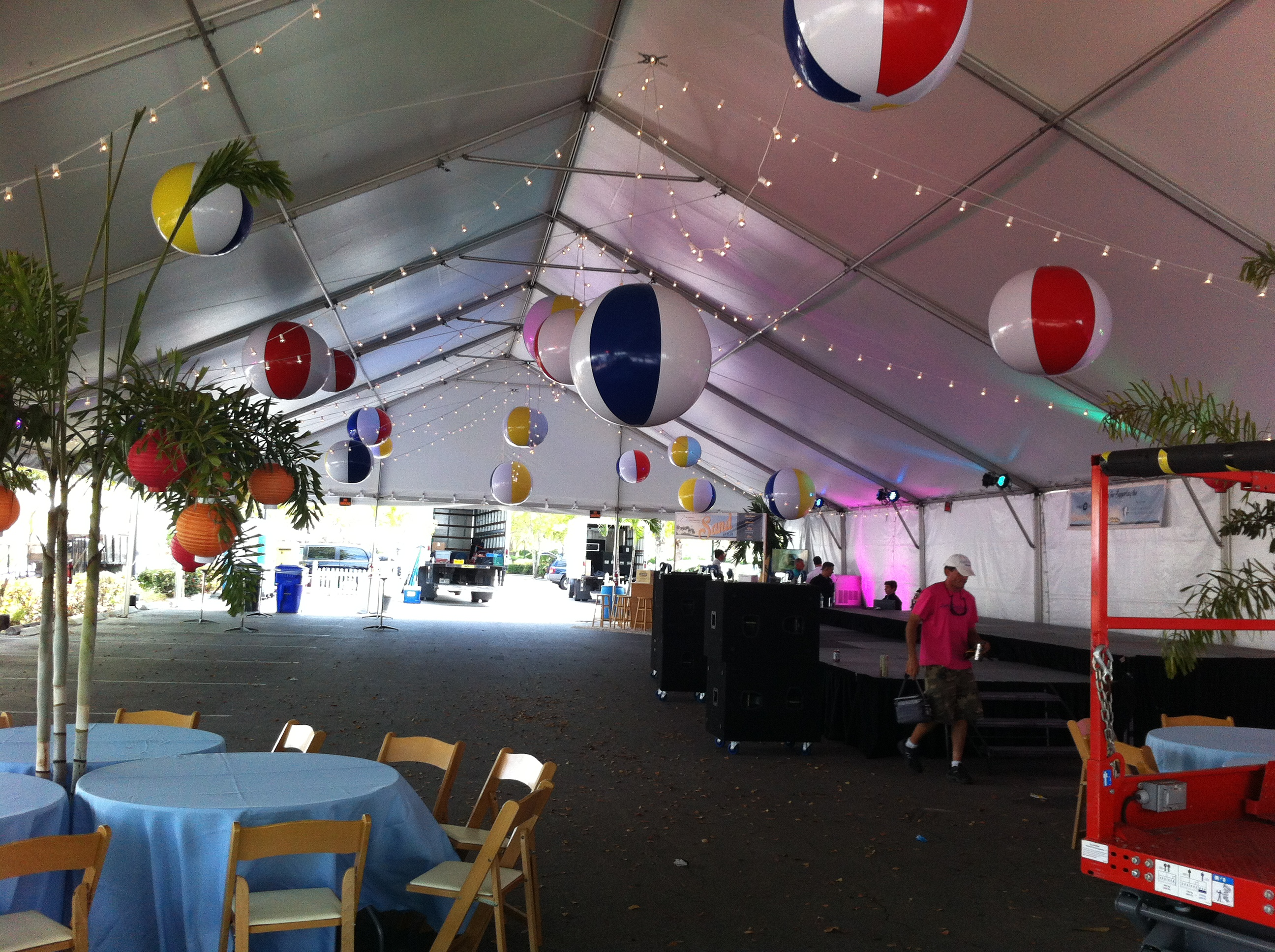 tent lighting and decor