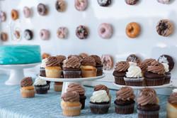 cakestandanddonutwall