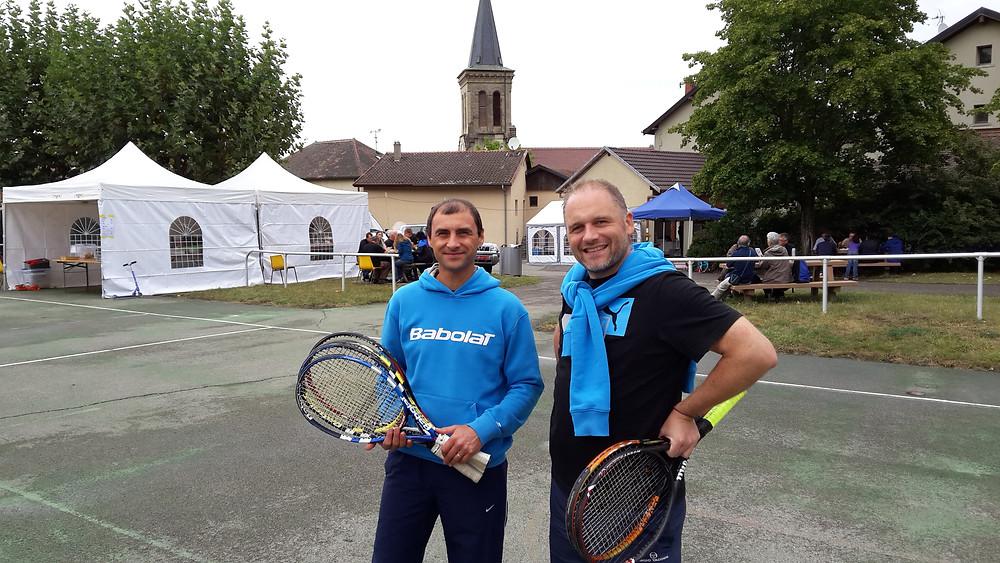 Sébastien Vadot et Benoit Lormant ont animé un stand avec des terrains de mini tennis  à la fête de la saint Maurice