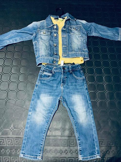 Ensemble t-shirt pantalon veste jean