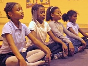 kids-meditating-smaller