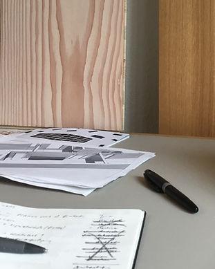 Von der ersten Wohnidee über das Farb- und Materialkonzept bis zur kompletten Innenarchitektur ihres neuen Zuhauses machen wir unsere Raumgestaltung für Sie anschaulich erlebbar: Von der ersten Skizze über Grundrisspläne bis zur 3D-Darstellung.