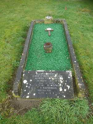 Highworth Cemetery, Kerb Set cleaning and restoration before