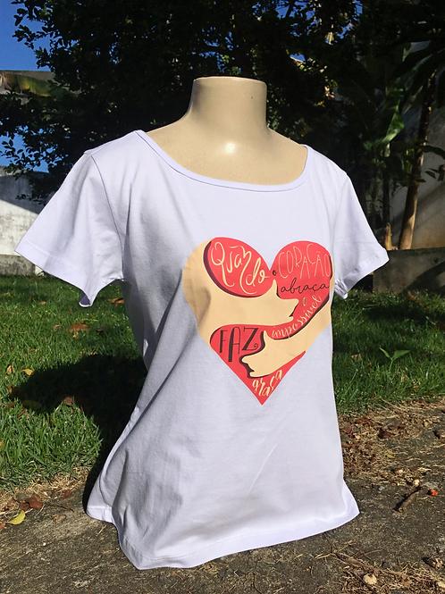 Camisa Quando Coração Abraça - Feminina