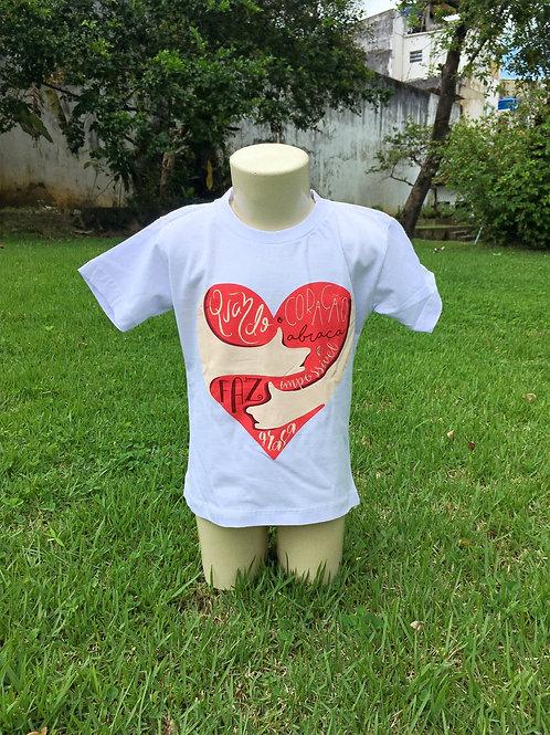 Camisa Quando Coração Abraça - Infantil