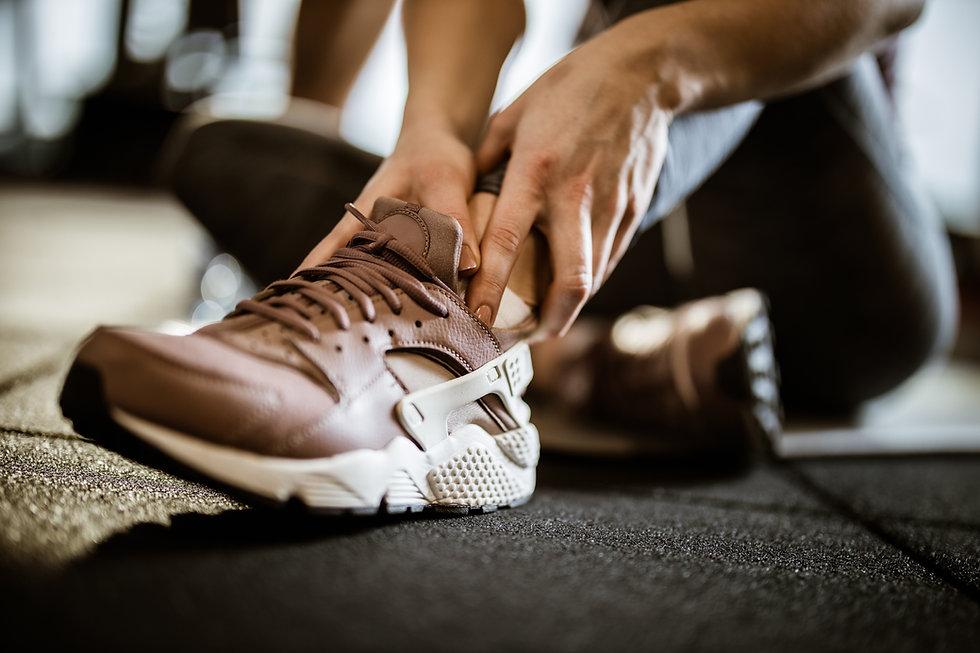 Sportverletzungen und Unfallbehandlung werden in der Klinik für Schmerzen von Dr. Weiss durchgeführt. Schmerzen nach Unfällen und Sportverletzungen müssen nicht bleiben. In der Schmerzklinik von Dr. Weiss werden sie behandelt und behoben.