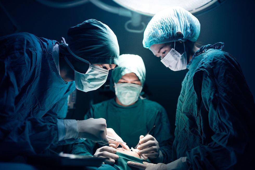 Sie haben Schmerzen nach Wirbelsäulen- und anderen Operationen? In der Schmerzklinik im Kanton Zürich, in Tagelswangen und in Wila, werden Schmerzen diagnostiziert und behandelt.