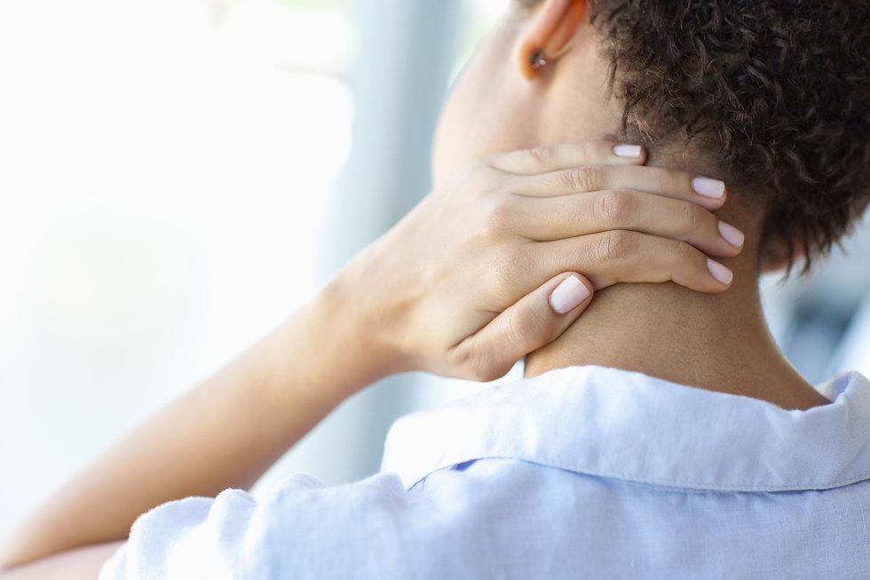 Nackenschmerzen und Schmerzen im Bereich des Nackens und Hals haben unterschiedliche Ursachen. Dr. med. Johann Christian Weiss findet die Ursache und behandelt Schmerzen aller Art.