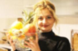Feriha ve meyve tabağı