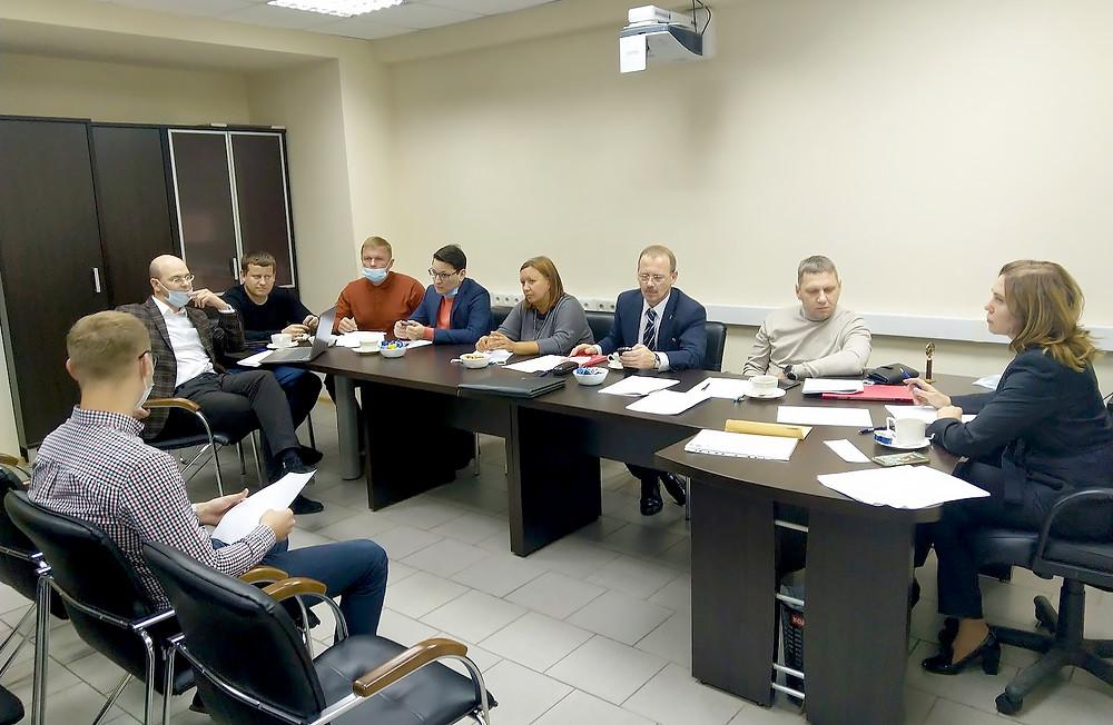 Работа Аттестационной комиссии по приему внутреннего экзамена у стажеров коллегии
