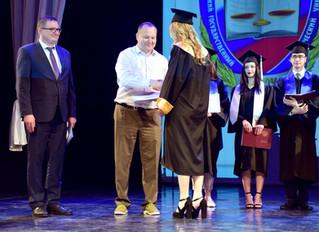 Вручение дипломов будущим адвокатам