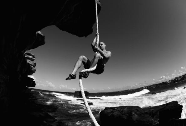 Bondi+Bare+Handed+Rope+Climbing+l-x0X_gNezEl.jpg