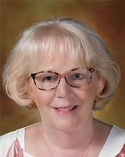 Gwen Dapore Headshot.jpg