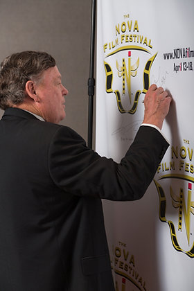 Signing the Wall 1