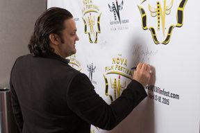 Signing the Wall 2