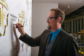 Signing the Wall 10