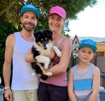Ginger 9 Wochen und ihre neue Familie.
