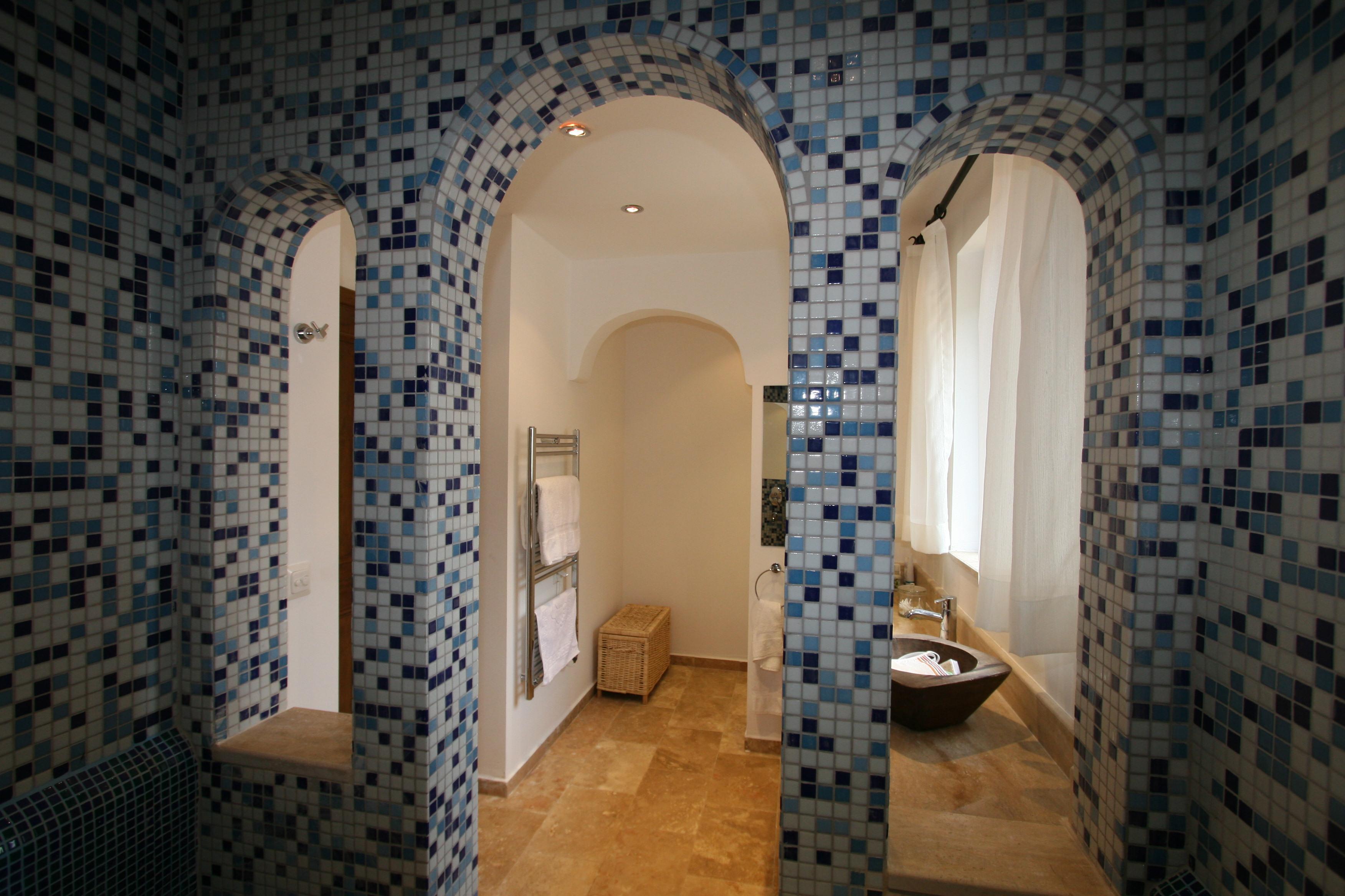 Bathroom Arch