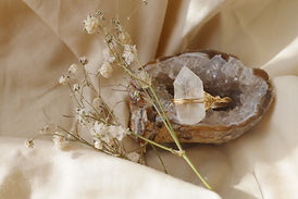 ring_large_quartz 01.jpg