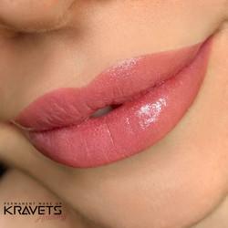 Перманетный макияж губ
