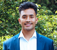 Sav%20Shrestha%20headshot_edited.jpg