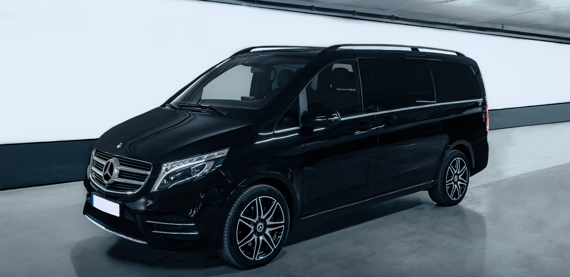 Private Chauffeur Mr Charles - Mercedes Viano