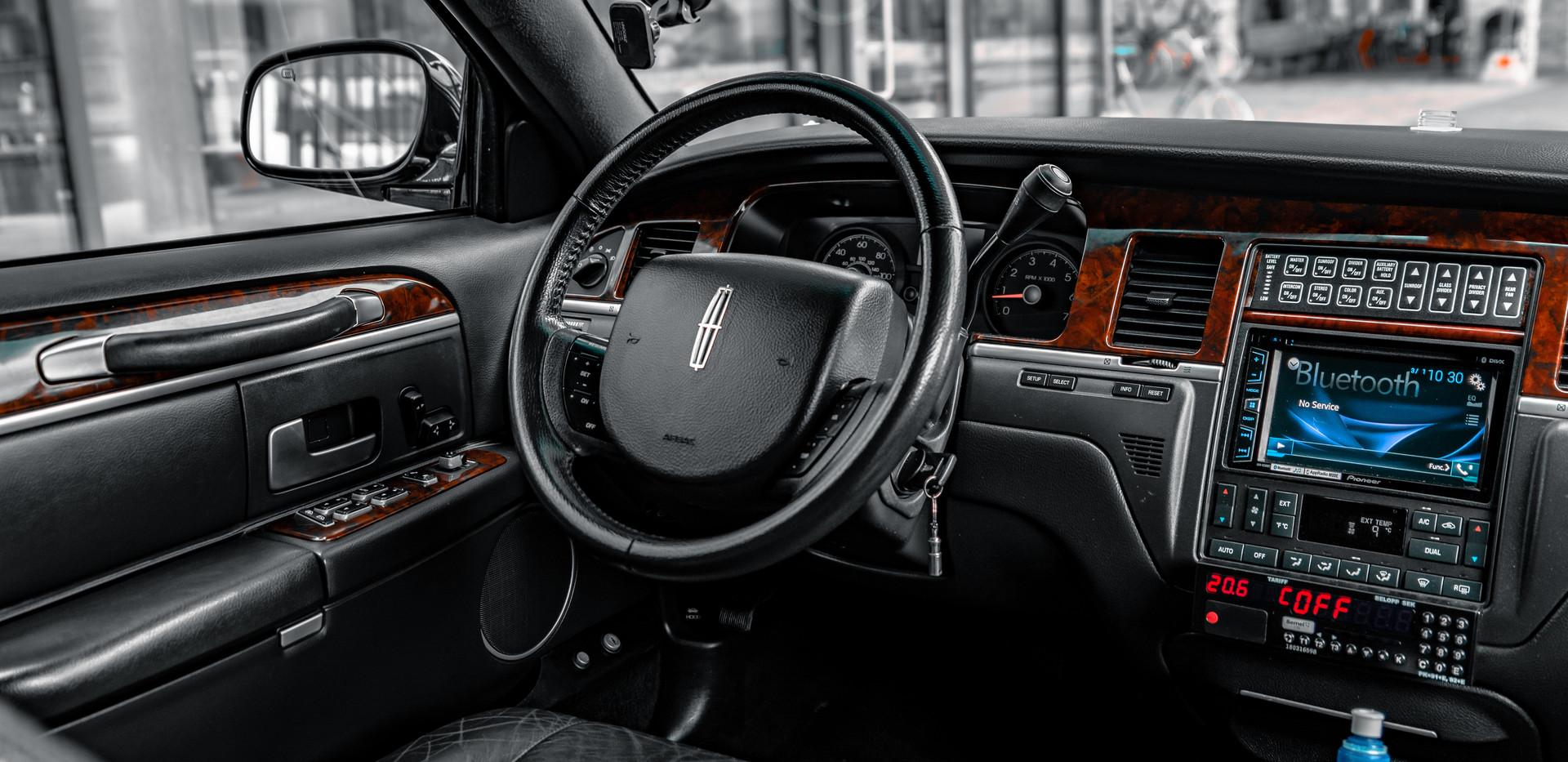 Limousine Lincoln - Stockholm - Mr Charles
