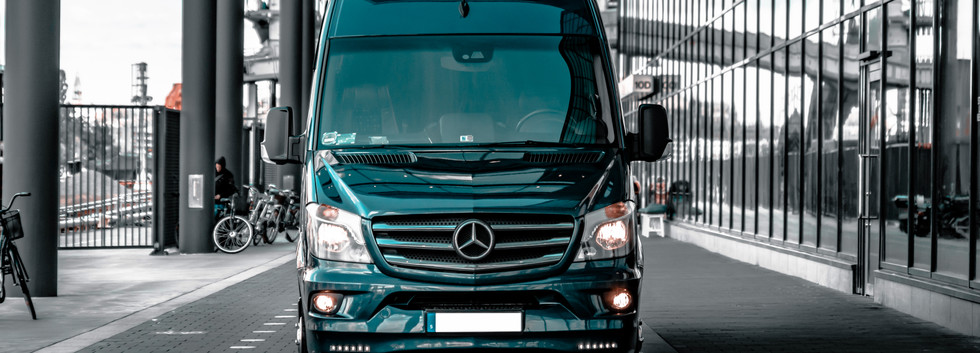 Private Chauffure - Mr Charles - Mercedes Sprinter Bus