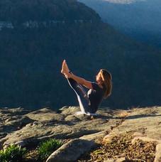Happy Sunday #pilates doing the #teaser.