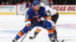 Former-T-Bird-Mathew-Barzal-Wins-NHL-Roo