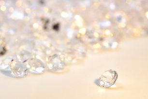 diamonds-4231177_1920.jpg