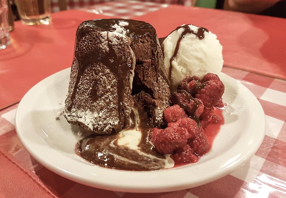 Chocolate Vulcano with Vanilla Icecream