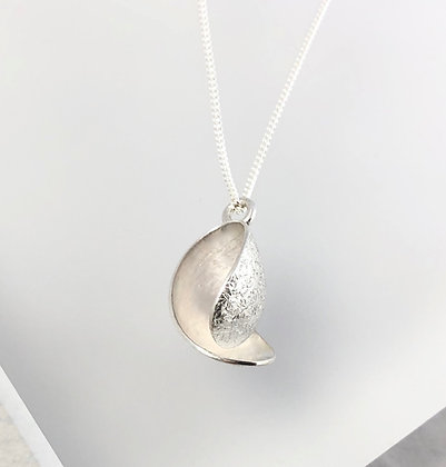 Silver Frosted Curl Pendant