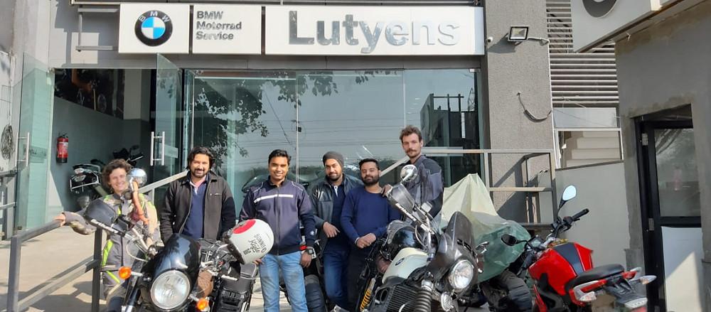 Avec Siddharth et son équipe.