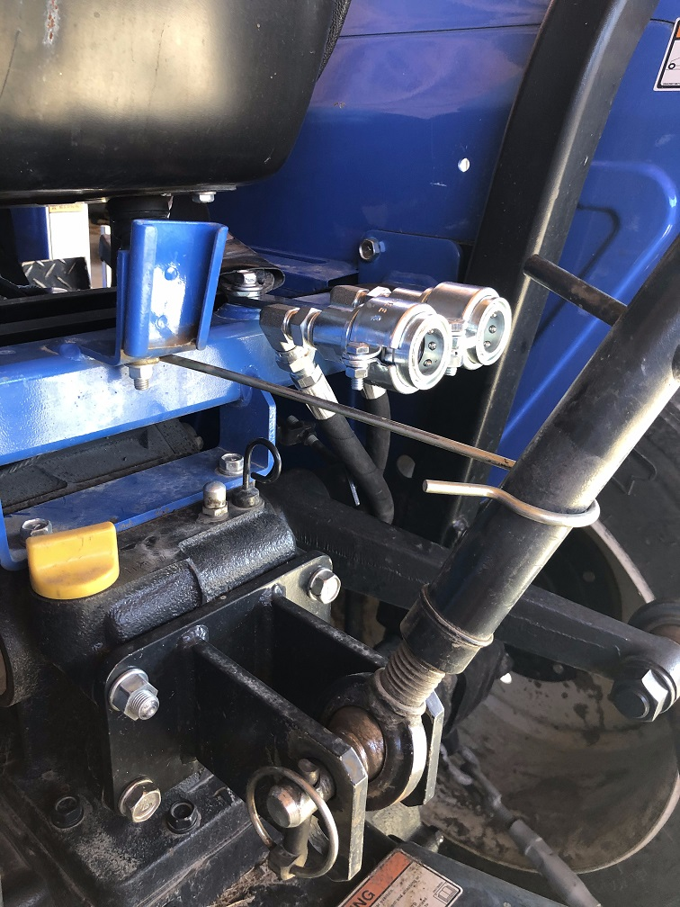 NH T1510 Remote Quick-Couplers 2