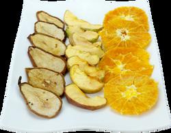 Pera, manzana y naranja secas
