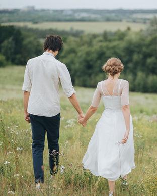 Abiti da sposa in the Meadow