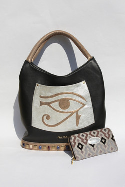 Horus and Magical purse